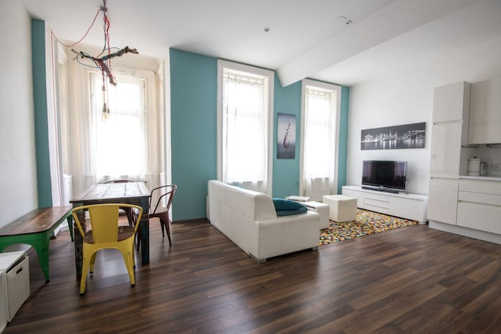 Modern, spacious apartment - Viyana - Daire