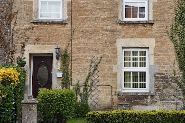 Our home is your home,come and visit us in Frome.