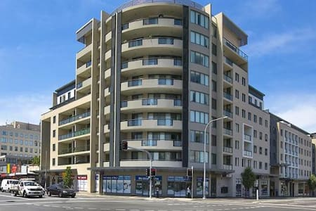 Oversized 2bed+Study Apt in Parra - Parramatta - Apartment