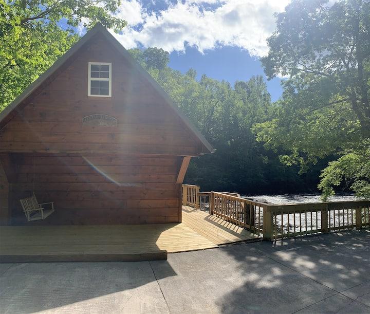 Riverside Retreat in Townsend