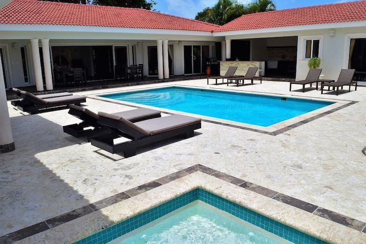Heavenly, family-friendly villa in Sosua