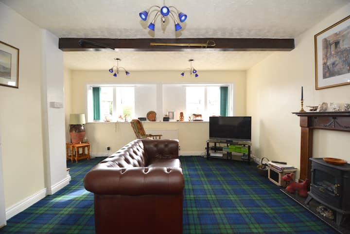 Central 2-BR Top House Bac Lieu Free WiFi