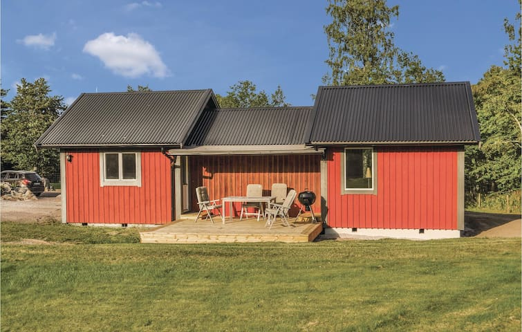 Holiday cottage with 2 bedrooms on 65 m² in Gränna