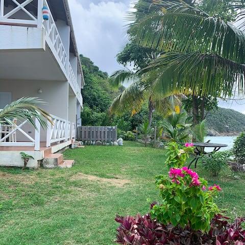 GreenLeafOasis#2 | Breathtaking beachfront views
