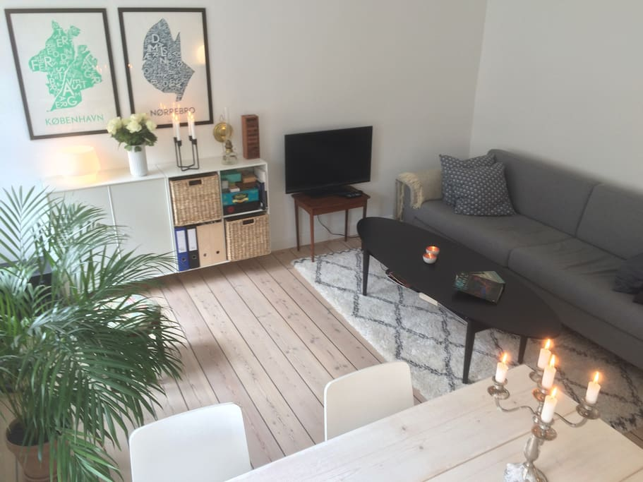 Living room including hygge, lots of light, TV, Stereo and WiFi