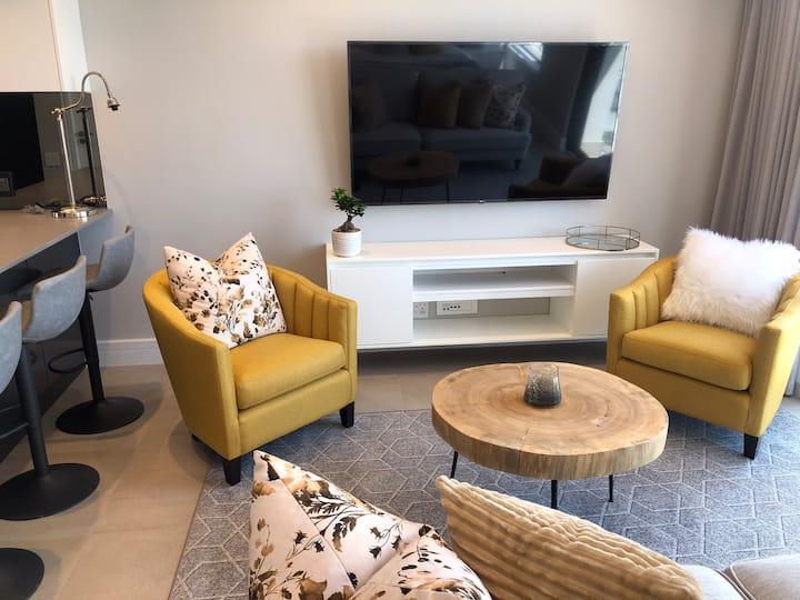 Luxury Studio Apartment - Melrose Arch