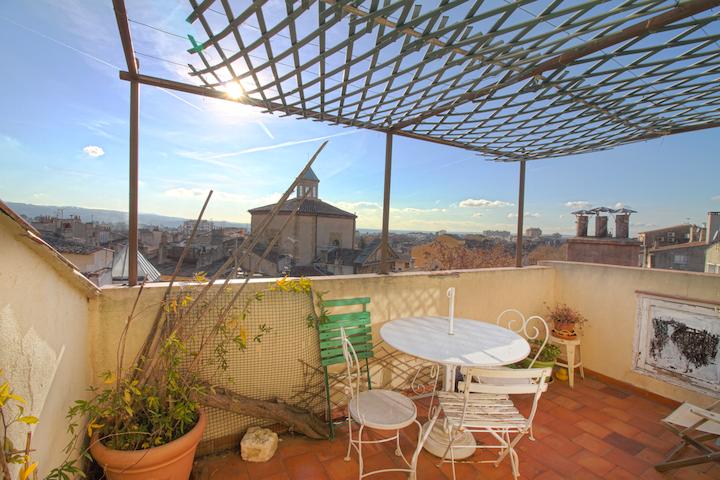 Appartement T2 avec TERRASSE en plein centre d'Aix - Aix-en-Provence - Appartement