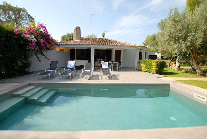 Crestatx Petit Holiday Villa with garden and swimming pool