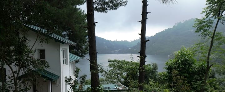 3 Bedroom Villa (Bungalows Lake Side Naukuchiatal)