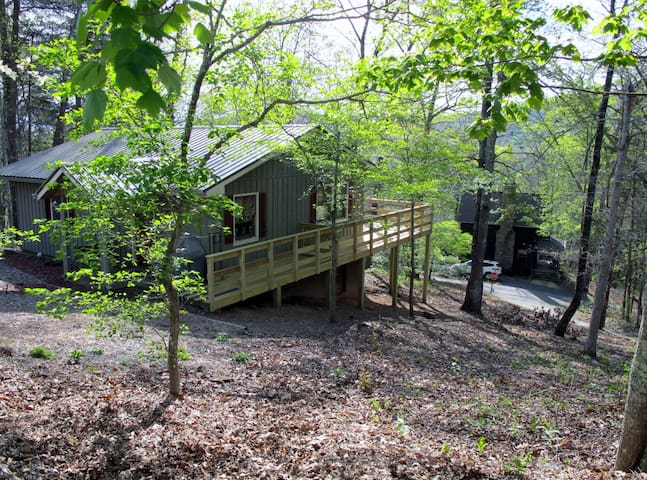 Quiet Mountain Getaway, Free Wifi - Hiawassee
