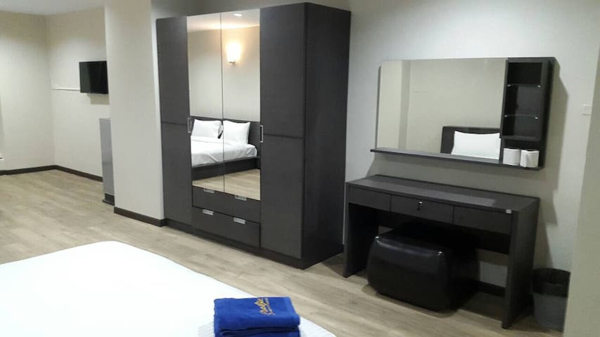 King Size DoubleBed/55 sq.m./Wi-Fi - Hat Yai - Apartment