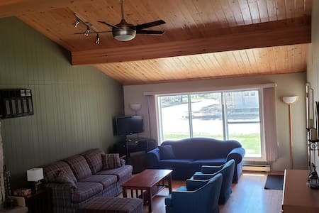 Cottage sleeps up to 12 (Near beach & golf course)