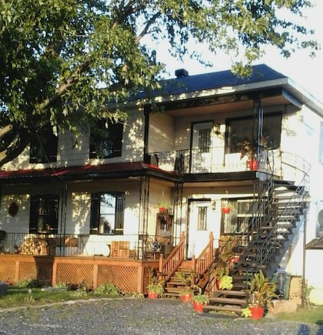 Appartement complet de 3 chambres à la campagne. - Saint-Alexandre