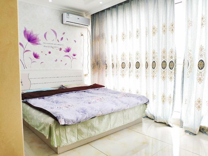 中房一室大床房(房型多套,实物为准)
