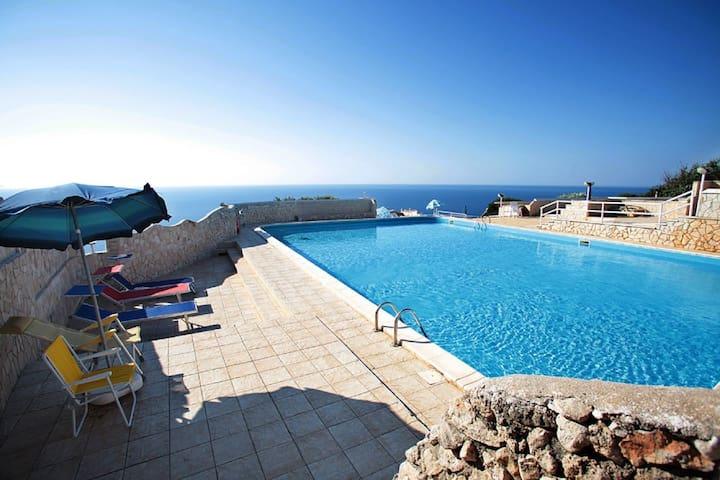 Mono Dada - in residence con piscina e splendida vista mare - Gagliano del Capo - Apartamento