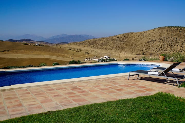 Charming cottage with amazing views - Villanueva de la Concepción