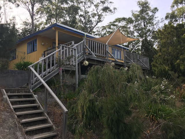 Bruny Beach Shack - Dennes Point - Dom