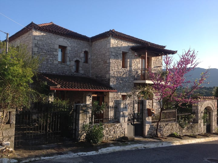B&B at Milk and Honey House Near Ancient Messene