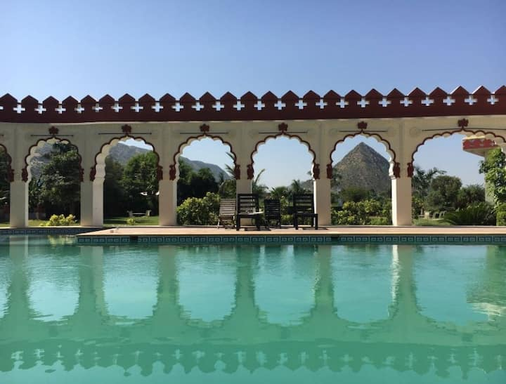 Deluxe Cottage at Resort in Pushkar 7