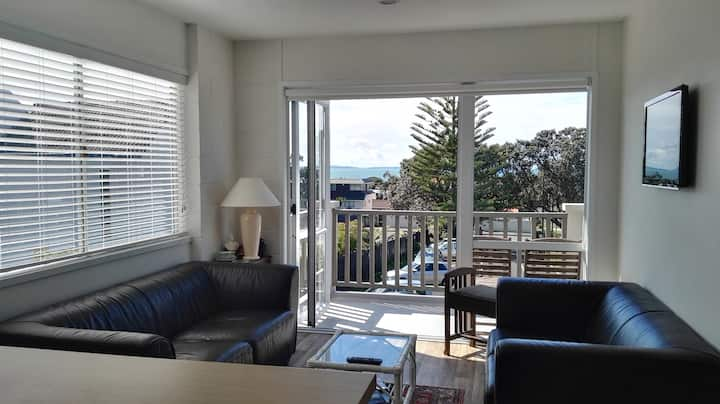 Sunny one bedroom apartment