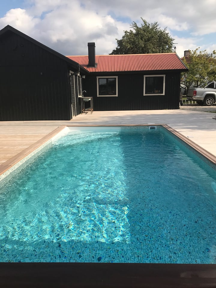 Warm and lovely house in Visby with pool
