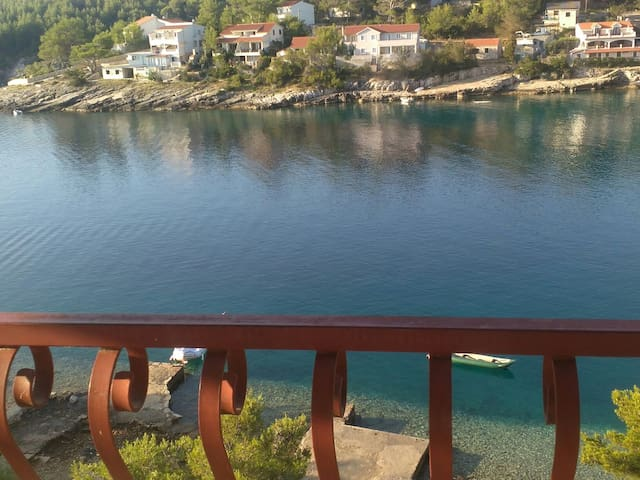 Small Holiday House above the sea - Vrboska - House