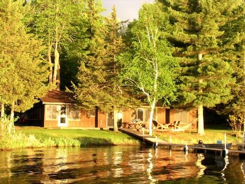Stunning Mid-Century Cabin on Gorgeous Cedar Lake