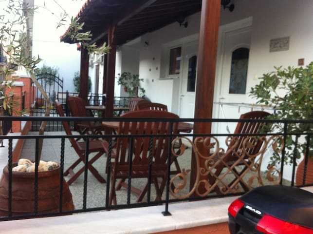 "ANNΑ""S HOUSE IN THE CENTER OF SKIATHOS"