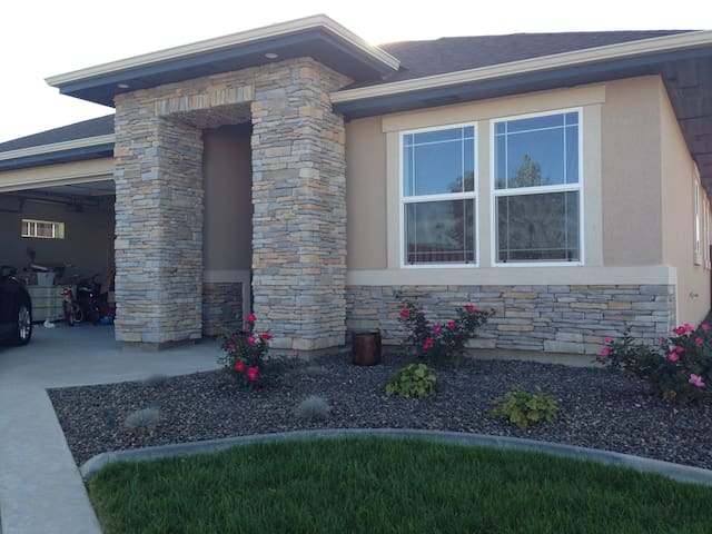 Family Home In Eagle Idaho - Meridian - Rumah