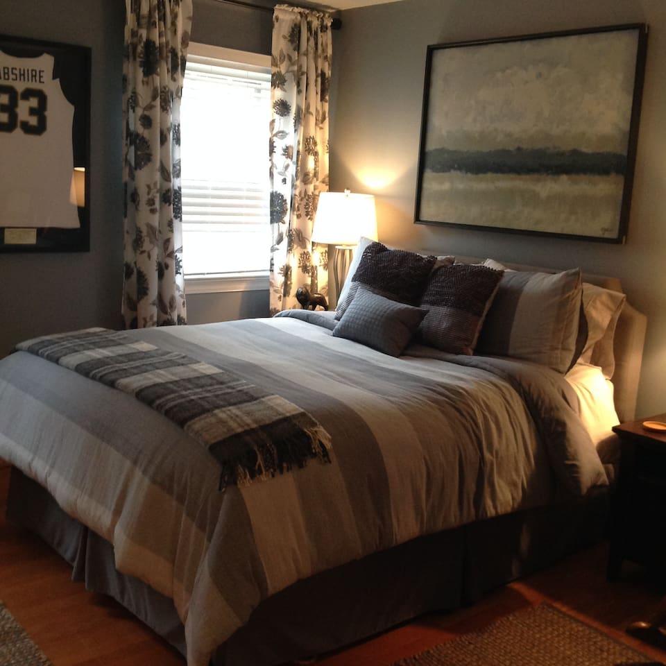 Big beautiful queen size bed