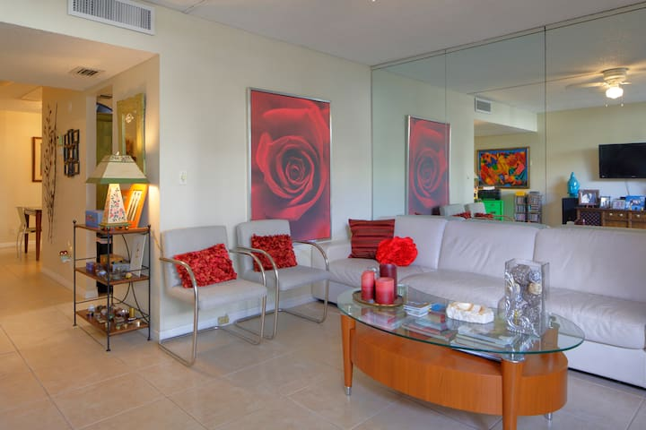 Cozy townhouse - Aventura - Apartment