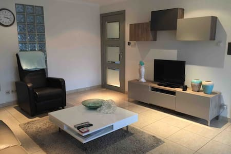 apartment 2 miles from Maastricht