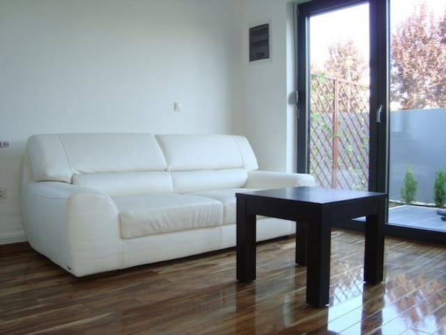 Private House in Zagreb - 3 Bedrooms, 2 Bathrooms - Zagreb - Casa