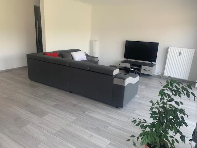 New & quite room near Brussels and big cities