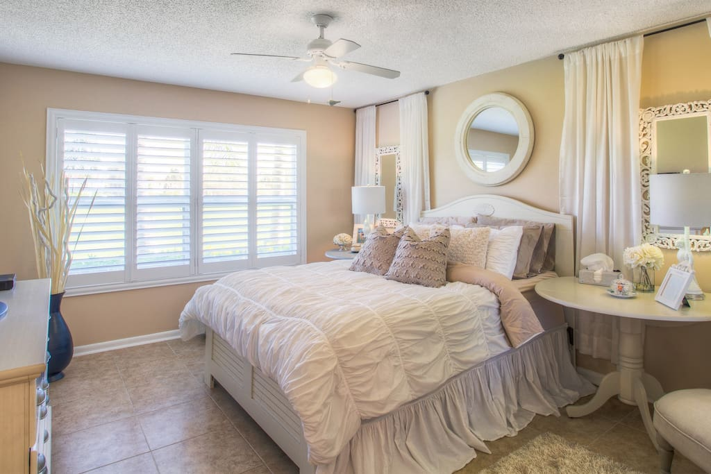 Beautiful, Relaxing Master Bedroom with Gorgeous View of Lake on the Golf Course