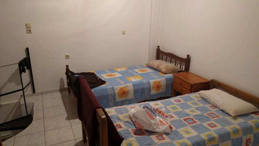 Room with two bed's and balcony - Analipsi
