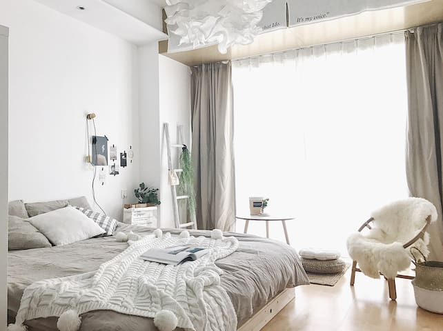 【live up民宿】room4「留白」:市中心眺望海河津塔的高端北欧风公寓