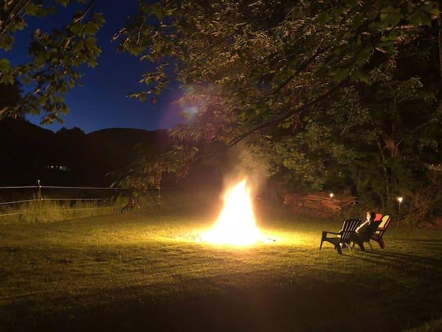 VT Retreat w/ Fireplace, AC & WiFi