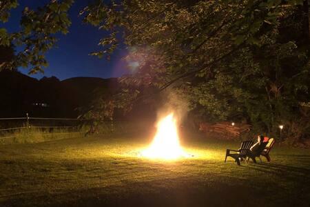 VT Retreat w/ Fireplace, AC & Awesome WiFi