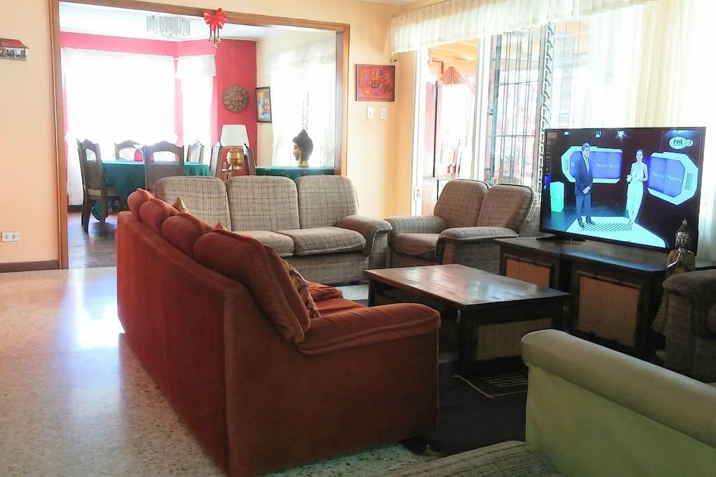Sala compartida / living room (shared)