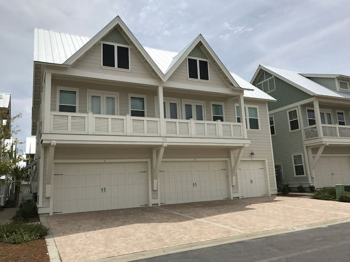 Luxury TownHome on 30 A