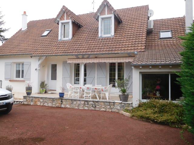 Belle maison proche des Chateaux de la Loire