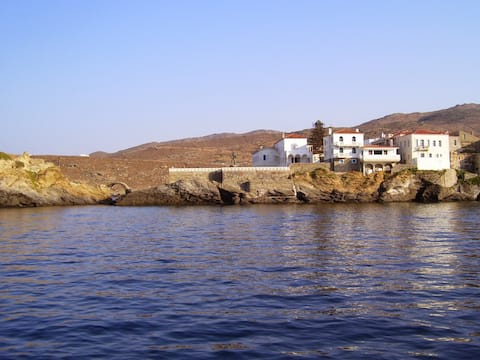 Andros 50m2 Suburb Apartment