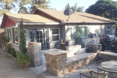 Redbarn Ridge | Family Retreat | Near Park Gate