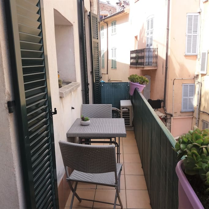 To the left the balcony overlooks pedestrian rue Meynadier and Le Suquet - historic and the oldest part of Cannes