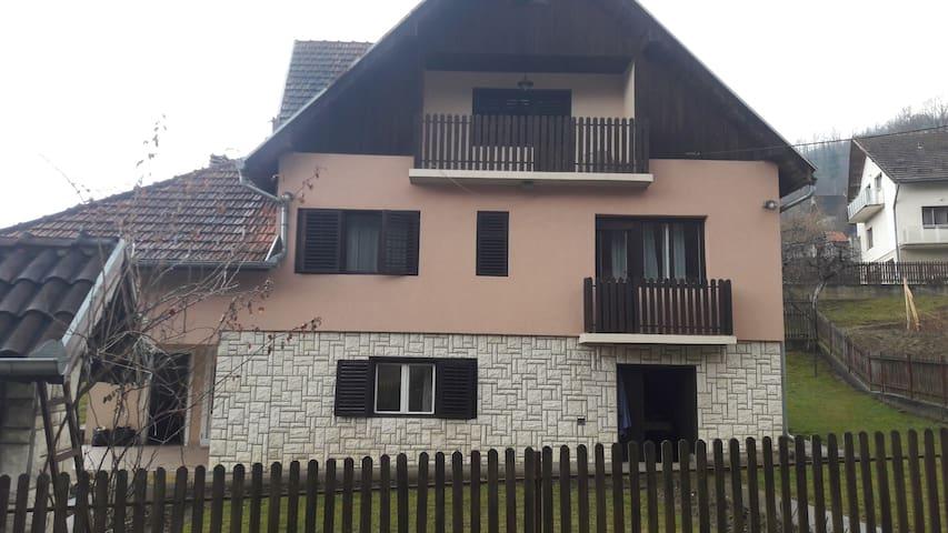 Guča trumpet festival accommodation - Guča - Huis