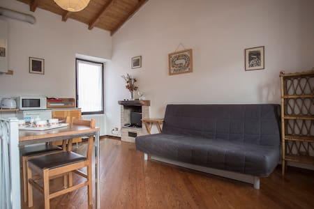 Secondo Piano, Borgo Antico (CALDÈ) - Castello - Wohnung