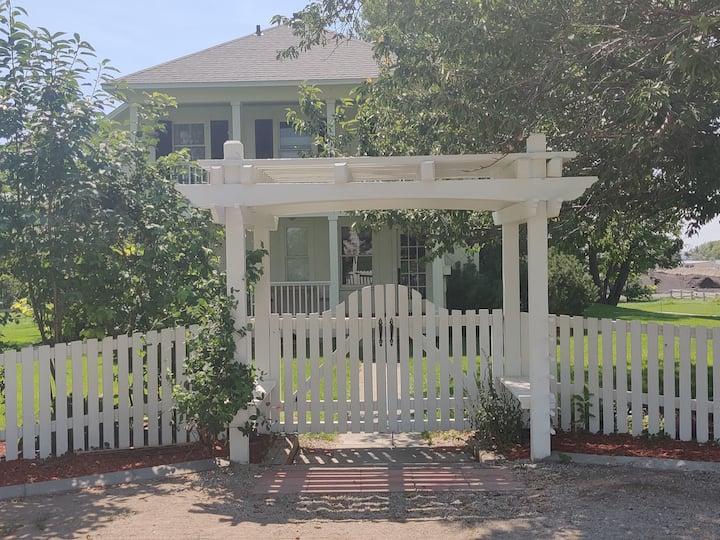 Historic, Private home, 6 min from Perrine Bridge