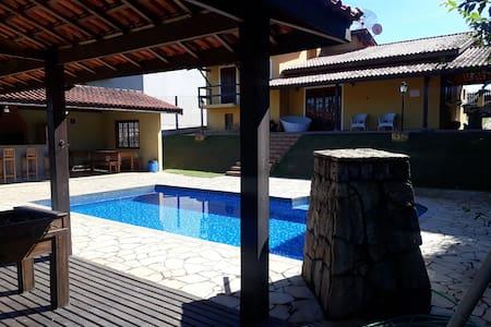 casa de campo em Atibaia  condomínio Fechado wifi