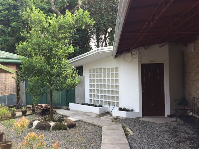 Garden guesthouse for family  aprox 80sqm w aircon